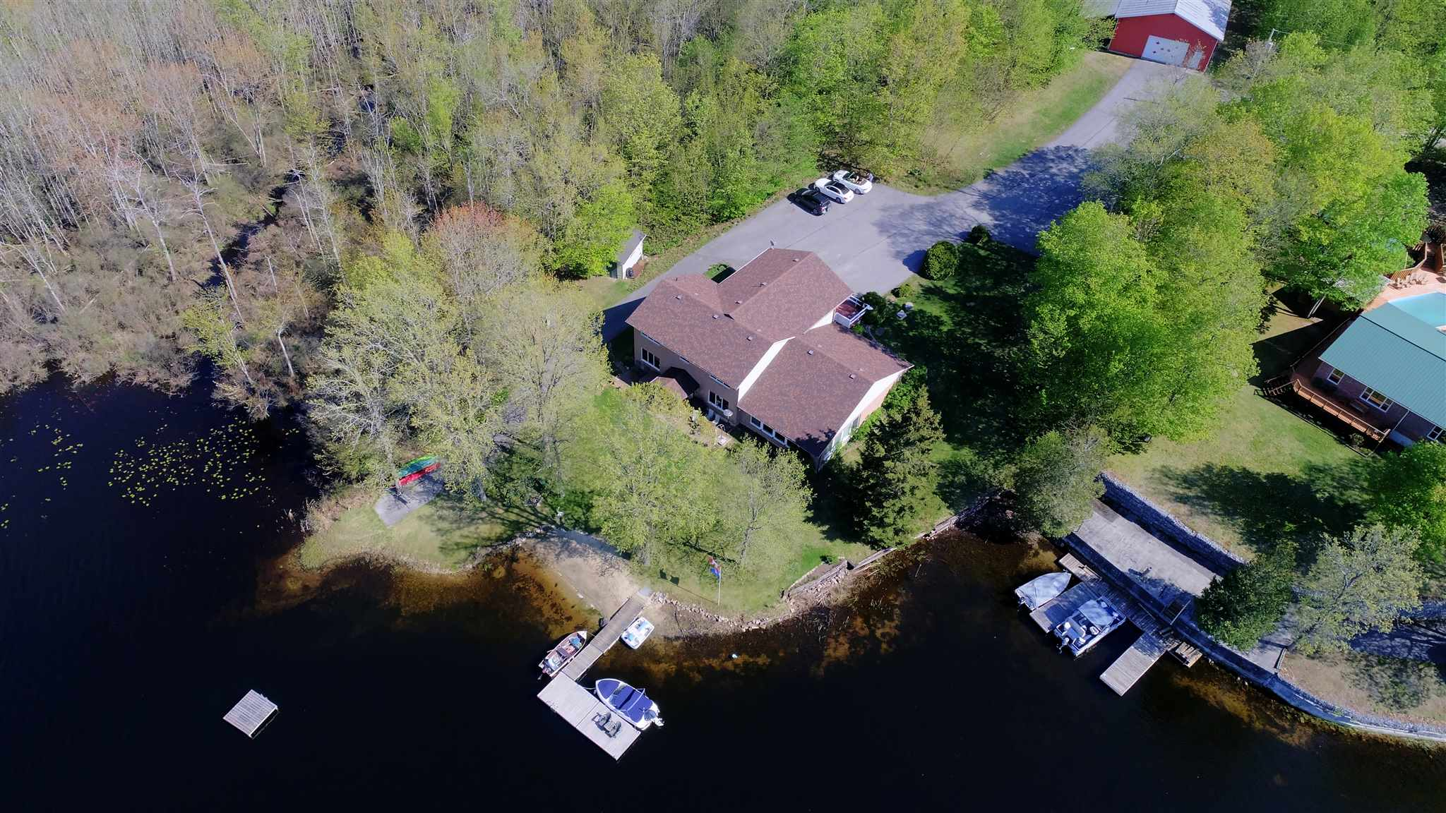 1089 serenity trail lane, South Frontenac Ontario, Canada Located on Howes Lake